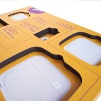 2 Schaumeinlagen und Wellpappabdeckung für Produktpräsentation