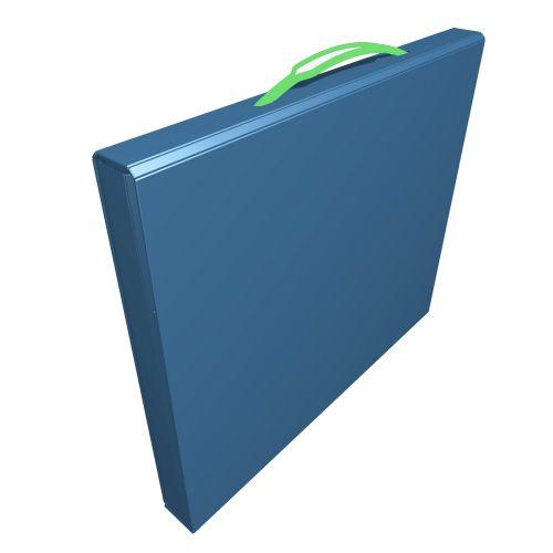 geschlossene Box mit versenkbaren Griff